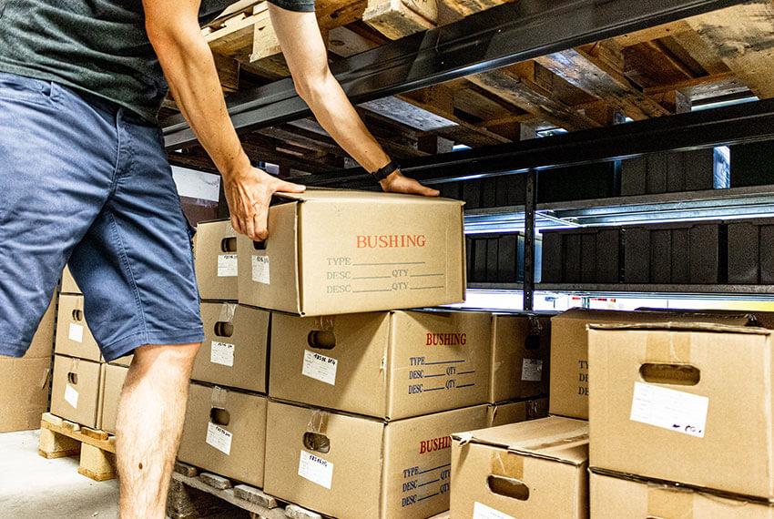 In der Lagerhalle des Unternehmens WPK Germany bieten wir zahlreiche Variationen an Wälz- und Gleitlagern